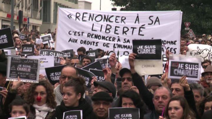marcia a Parigi